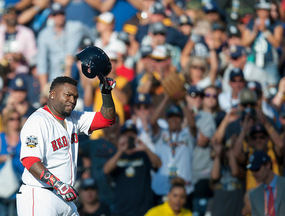 The Red Sox' David Ortiz acknowledges the crowd as he leaves the game during the American League's 4-2 victory over the National League during the 2016 MLB All-Star Game at Petco Park in San Diego on Tuesday.<br /> <br /> ///ADDITIONAL INFO:   <br /> <br /> allstar.0713.kjs  ---  Photo by KEVIN SULLIVAN / Orange County Register  -- 7/12/16<br /> <br /> The 2016 MLB All-Star Game at Petco Park in San Diego.