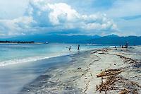 Nusa Tenggara, Lombok, Gili Trawangan. The beach on Gili Trawangan, looking towards Lombok.