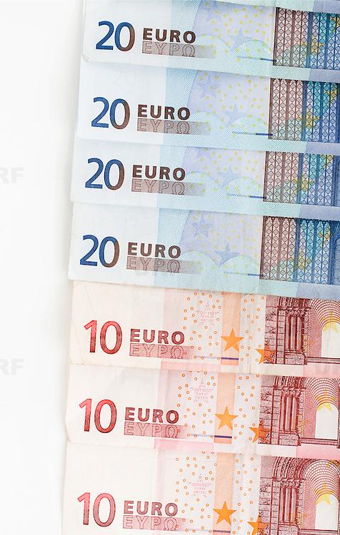 Nederland Barendrecht 29 maart 2009 20090329 Foto: David Rozing ..bankbiljetten, valuta, betaalmiddel, 10, 20, tien, twintig, kosten,papiergeld,biljet,biljetten,bankbiljet,bankbiljetten,eurobiljet,eurobiljetten, betaalmiddelen,recessie, kredietcrisis, economie,.money , euro stockbeeld, stockfoto, stock, studio opname, illustratie.Foto: David Rozing