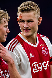 14-08-2018 NED: Champions League AFC Ajax - Standard de Liege, Amsterdam<br /> Third Qualifying Round,  3-0 victory Ajax during the UEFA Champions League match between Ajax v Standard Luik at the Johan Cruijff Arena / Frenkie de Jong #21 of Ajax, Matthijs de Ligt #4 of Ajax