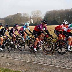 27-02-2021: Wielrennen: Omloop Het Nieuwsblad - Vrouwen: Gent: Elisa Lomgo Borghini: Jolien D'hoore