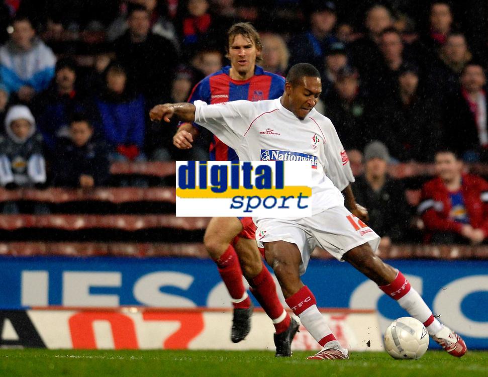 Photo: Alan Crowhurst.<br />Crystal Palace v Swindon Town. The FA Cup. 06/01/2007. Swindon's Ricky Shakes shoots at goal.