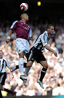 Photo: Olly Greenwood.<br />West Ham United v Newcastle United. The Barclays Premiership. 17/09/2006. West Ham United's Bobby Zamora and Newcastle''s Scott Parker