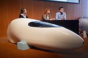 Het Human Power Team Delft en Amsterdam (HPT) en Elan Racing Team presenteren de rijders die in september een poging gaan wagen het wereldrecord mensaangedreven voertuigen te verbreken. Dat staat nu op 133 km/h. Voor HPT gaan Sebastiaan Bowier en Wil Baselemans rijden, Elan Racing Team heeft Jan Bos (rechts), Johanneke Vis (midden) en Ellen van Vugt (links) rijden.<br /> <br /> The Human Power Team Delft and Amsterdam (HPT) and Elan Racing Team are presenting the cyclists for the record attempt with human powered vehicles. Sebastiaan Bowier and Wil Baselmans will ride for the HPT, Jan Bos (right), Ellen van Vugt (left) and Johanneke Vis (center) will ride for the Elan Racing Team.