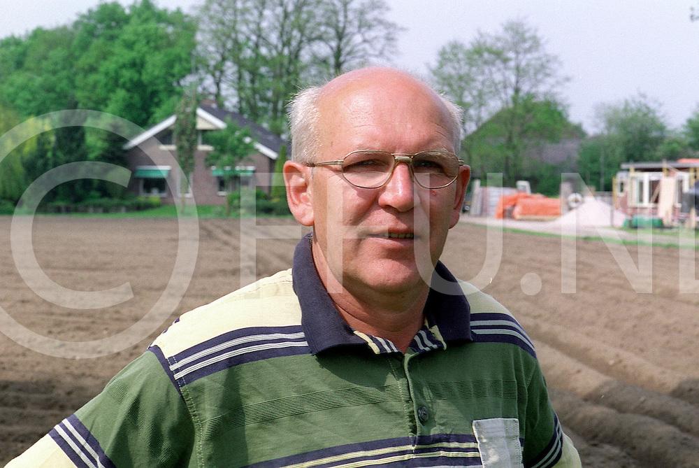 Fotografie Frank Uijlenbroek©2001/Frank Uijlenbroek.010515 heeten ned.Boerderij.116282.J. Wichink voor bedrijf.