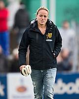 UTRECHT - Maarje Paumen van Den Bosch bleef aan de kant zondag tijdens de competitiewedstrijd tussen de vrouwen van Kampong en Den Bosch (0-1) FOTO KOEN SUYK