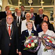 NLD/Amsterdam/20100429 - Lintjesregen gemeente Huizen , groepsfoto gedecoreerden
