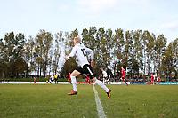 Fotball , 22. october 2016 , Eliteserien , PostNord-ligaen avd 3 , Vidar - Stord<br /> Anders Njøs fra Stord i aksjon mot Vidar.<br /> Foto: Andrew Halseid Budd , Digitalsport