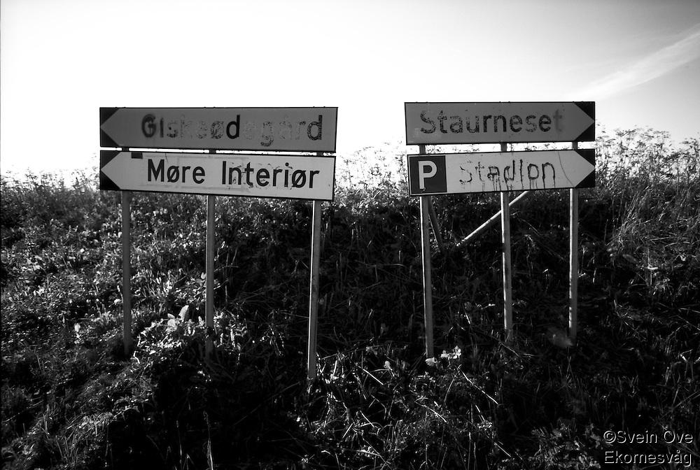 Signs.<br /> Foto: Svein Ove Ekornesvåg