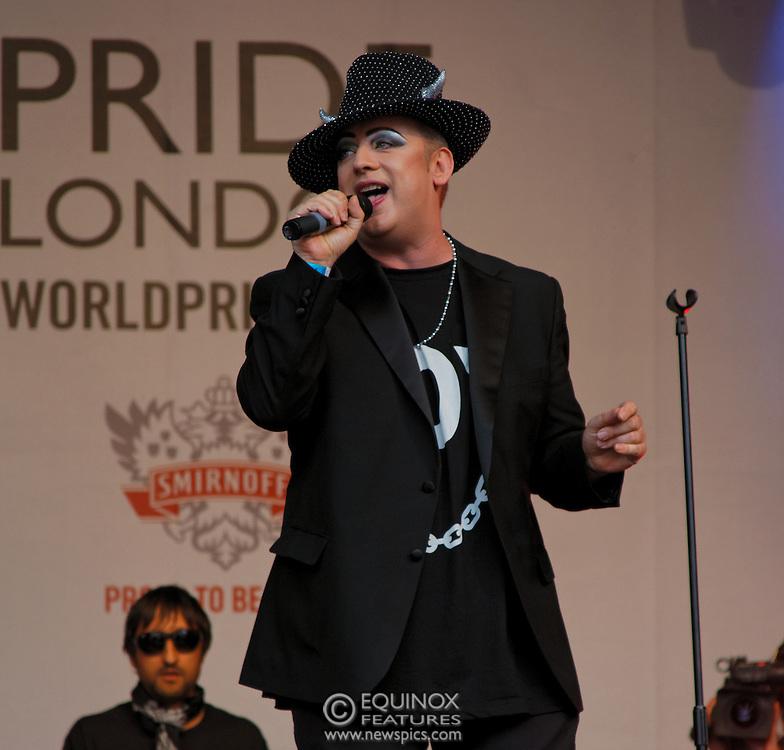 London, United Kingdom - 7 July 2012.Boy George performing at World Pride 2012 in Trafalgar Square, Charing Cross, London, England, UK..Contact: Equinox News Pictures Ltd. +448700780000 - Copyright: ©2012 Equinox Licensing Ltd. - www.newspics.com.Date Taken: 20120707 - Time Taken: 170556+0000