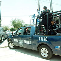 TOLUCA,México. La seguridad a los funcionarios públicos federales que realizan giras por territorios mexiquenses se incrementa mas para dar una mejor seguridad en sus visitas. Agencia MVT / José Hernández. (DIGITAL)