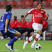 NLD/Amsterdam/20080808 - LG Tournament 2008 Amsterdam, Ajax v Arsenal, Oleguer Presas Renom in duel met