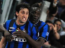 05-05-2010 VOETBAL: COPPA ITALIA AS ROMA - INTER MILAAN: ROMA<br /> Inter wint de finale Coppa Italia van Roma / Diego Milito  und Balotelli<br /> ©2010-FRH-nph / Antonietta Baldassarre