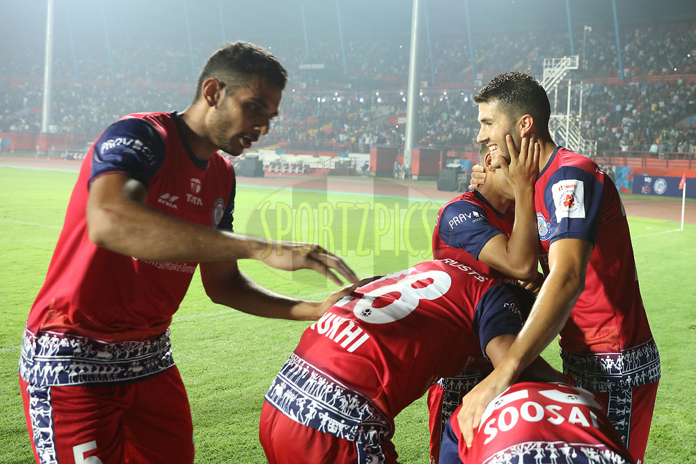 Jamshedpur FC  team celebrating the goal during match 25 of the Hero Indian Super League 2018 ( ISL ) between Jamshedpur FC and FC Goa held at JRD Tata Sports Complex, Jamshedpur, India on the 1st November  2018<br /> <br /> Photo by Saikat Das /SPORTZPICS for ISL