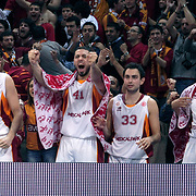 Galatasaray's Furkan ALDEMIR (L) and Cevher OZER (2ndL),Ender ASLAN (2ndR), Caner TOPALOGLU (L) during their Euroleague group D matchday 5 Galatasaray between  FC Barcelona Regal at the Abdi Ipekci Arena in Istanbul at Turkey on Thursday, November 17 2011. Photo by TURKPIX