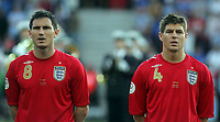 Photo: Paul Thomas.<br /> Estonia v England. UEFA European Championships Qualifying, Group E. 06/06/2007.<br /> <br /> Frank Lampard (L) and Steven Gerrard of England line up before kick-off.