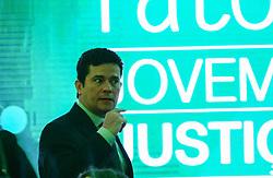 August 15, 2017 - Na foto o Juíz Federal, Sérgio Moro, chega ao evento. O juiz Federal, Sérgio Moro e a presidente do Supremo Tribunal Federal (STF), Cármen Lúcia, participam do 4º Fórum Mitos & Fatos, realizado pela Jovem Pan, na manhã desta terça-feira (15), no Hotel Tivoli em São Paulo. (Credit Image: © Aloisio Mauricio/Fotoarena via ZUMA Press)