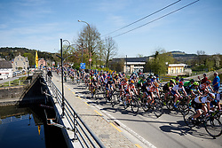 Skylar Schneider (USA) and Jip van den Bos (NED) in the bunch at La Flèche Wallonne Femmes 2018, a 118.5 km road race starting and finishing in Huy on April 18, 2018. Photo by Sean Robinson/Velofocus.com