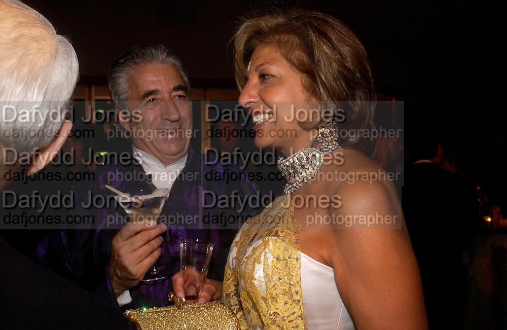 David Morris and  Mrs. Vimla Lalvani, British Red Cross tenth annual Ball. 'The Room' South Bank. London. 1 December 2004. ONE TIME USE ONLY - DO NOT ARCHIVE  © Copyright Photograph by Dafydd Jones 66 Stockwell Park Rd. London SW9 0DA Tel 020 7733 0108 www.dafjones.com