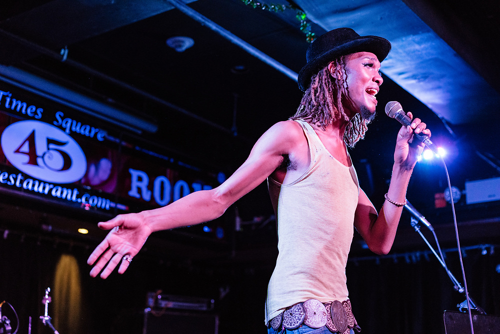NEW YORK, NY - MAY 05: American musician ROYCE performs onstage at Connolly's Pub & Restaurant on May 5, 2018 in New York, New York. (PHOTO CREDIT: EricMTownsend.com)
