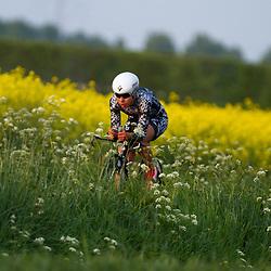 CYCLING 's-Heerenhoek: De eerste tijdrit voor vrouwen in het kader van de tijdritcompetitie werd verreden voorafgaand aan de omloop van Borsele.