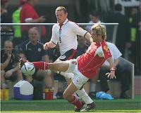 Fotball, 17. juni 2004, EM, Euro 2004, Sveits- England, Wayne ROONEY, England , Raphael WICKY Schweiz<br /> Foto: Digitalsport