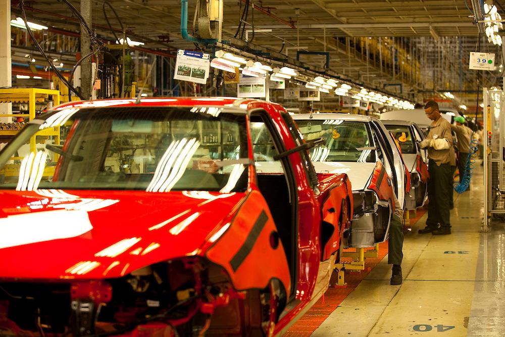 Betim_MG, Brasil...Linha de producao da FIAT em Betim, Minas Gerais...The production line FIAT in Betim, Minas Gerais...Foto: LEO DRUMOND / NITRO