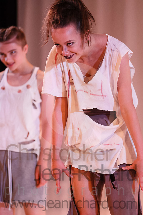 ART: 2017<br /> <br /> Sinister<br /> Choreographie: Robin Lee Smith<br /> Modern III Di/Sa<br /> Modern<br /> <br /> Students and Instructors of Atelier Rainbow Tanzkunst (http://www.art-kunst.ch/) rehearse on the stage of the Schinzenhof for a series of performances in June, 2017.<br /> <br /> Schinzenhof, Alte Landstrasse 24 8810 Horgen Switzerland