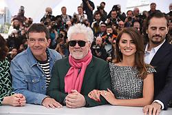May 18, 2019 - Cannes, France - 72eme Festival International du Film de Cannes. Photocall du film ''Douleur et Gloire''. 72th International Cannes Film Festival. Photocall of ''Dolor y gloria'' movie....239404 2019-05-18  Cannes France.. Banderas, Antonio; Almodovar, Pedro (Credit Image: © Serge Arnal/Starface via ZUMA Press)