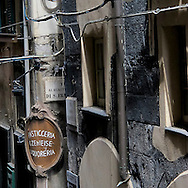 Un vicolo del centro storico di Genova. an alley in the historical center of Genoa