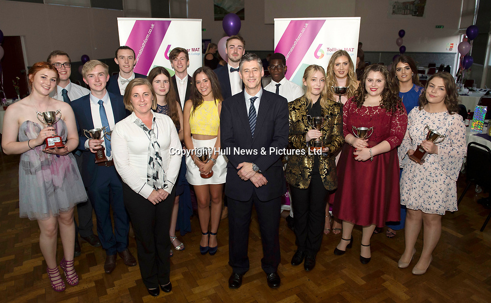 21 July 2017: Tollbar Academy MAT Sixth Form College Prom.<br /> Picture: Sean Spencer/Hull News & Pictures Ltd<br /> 01482 210267/07976 433960<br /> www.hullnews.co.uk         sean@hullnews.co.uk