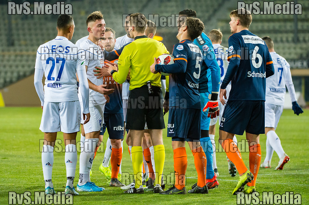 LAUSANNE, SWITZERLAND - NOVEMBER 22: Team FC Will protest after a #9 Andi Zeqiri of FC Lausanne-Sport scores a goal during the Challenge League game between FC Lausanne-Sport and FC Wil at Stade Olympique de la Pontaise on November 22, 2019 in Lausanne, Switzerland. (Photo by Robert Hradil/RvS.Media)