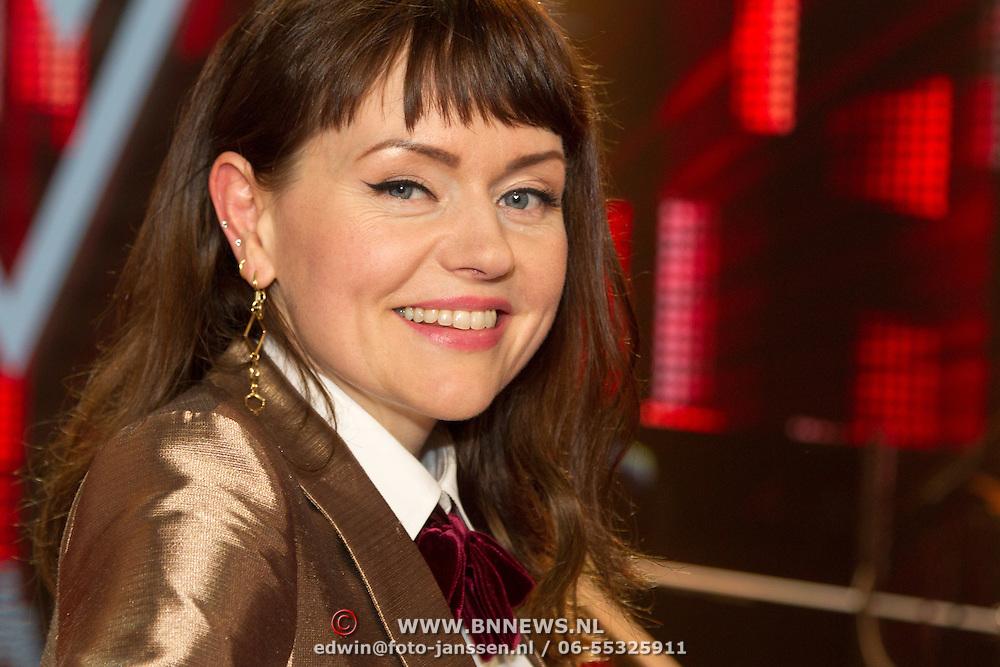 NLD/Hilversum/20151211 - 2e Liveshow The Voice of Holland, TVOH, Jennie Lena