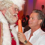 NLD/Hilversum/20151207- Sky Radio's Christmas Tree for Charity, Danny de Munk en de kerstman