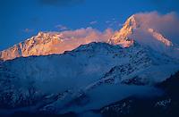 Nepal, Annapurna Sud 7219m d'altitude, Himalaya. // Nepal. South Annapurna (7219m).