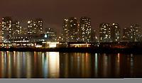 Feature / Reportasje<br /> OL 2010 Vancouver Canada<br /> Foto: Gepa/Digitalsport<br /> NORWAY ONLY<br /> <br /> Vorschau auf die Olympischen Winterspiele 2010 in Vancouver. <br /> <br /> Bild zeigt die Skyline von Vancouver und Canada Hockey Place bei Nacht. Keywords: Halle, Stadion, General Motors Place, GM Plac