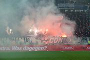 Fuusball: 2. Bundesliga, FC St. Pauli - Hamburger SV 2:0, Hamburg, 16.09.2019<br /> Pyrotechnik HSV-Fans<br /> © Torsten Helmke