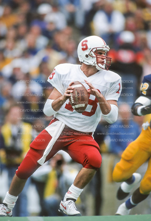 COLLEGE FOOTBALL: Steve Stenstrom #18 of Stanford (1991-1994) in action at Memorial Stadium in Berkeley, CA on Nov 21, 1992 during the Big Game vs Cal.