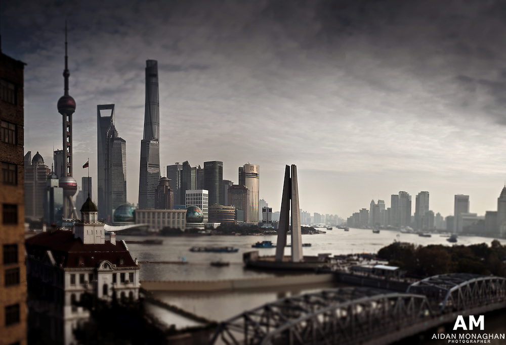 """Located on the bank of the Huangpu River and Suzhou Creek, the Broadway Mansions Hotel Shanghai is a classic 5-star hotel designed by Mr. Bright Fraser, an architecture icon from UK. Formerly named the Broadway Mansions, it was built in the thirties of last century. Standing as a unique treasure, it forms a beautiful contour together with the busy Waibaidu Bridge on the Bund.<br /> Among all 5 star luxury Shanghai hotels, broadway masions is famous for its unique view. This 5 star hotel in Shanghai offers 253 guest rooms, various restaurants, bars, banquet halls and a business centre. It is also equipped with a gym, spa and other facilities. As luxury hotels Shanghai,We aim to provide the best service and a warm and comfortable experience for your stay.<br /> Enjoying a prestige location, it's rooms and banquet facilities have the most spectacular view of both banks of Huangpu River. The hotel in Shanghai China is therefore recognized as """"The Best View Point on the bank of Huangpu River""""."""