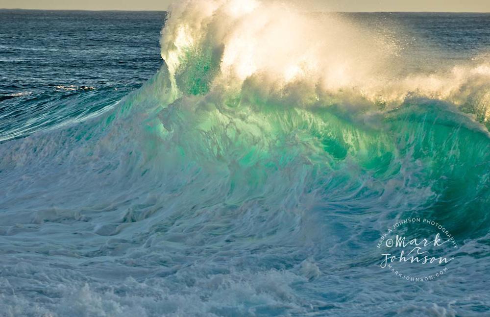 Foamy wave, Oahu, Hawaii