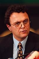 20 JAN 2000, BERLIN/GERMANY:<br /> Hans-Peter Friedrich, MdB, CSU, Stellv. Vorsitzender Parl. Untersuchungsausschuss zur Aufklärung der Parteispendenaffäre, während einer Pressekonferenz zur Sitzung des Ausschusses, Deutscher Bundestag, Reichstag<br /> IMAGE: 20000120-02/02-15