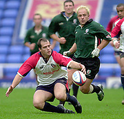 Reading, Berkshire, 10th May 2003,  [Mandatory Credit; Peter Spurrier/Intersport Images], Zurich Premiership Rugby, Felipe Contepmi, controlling  the loose ball as, Mark Mapletoft,  moves in.
