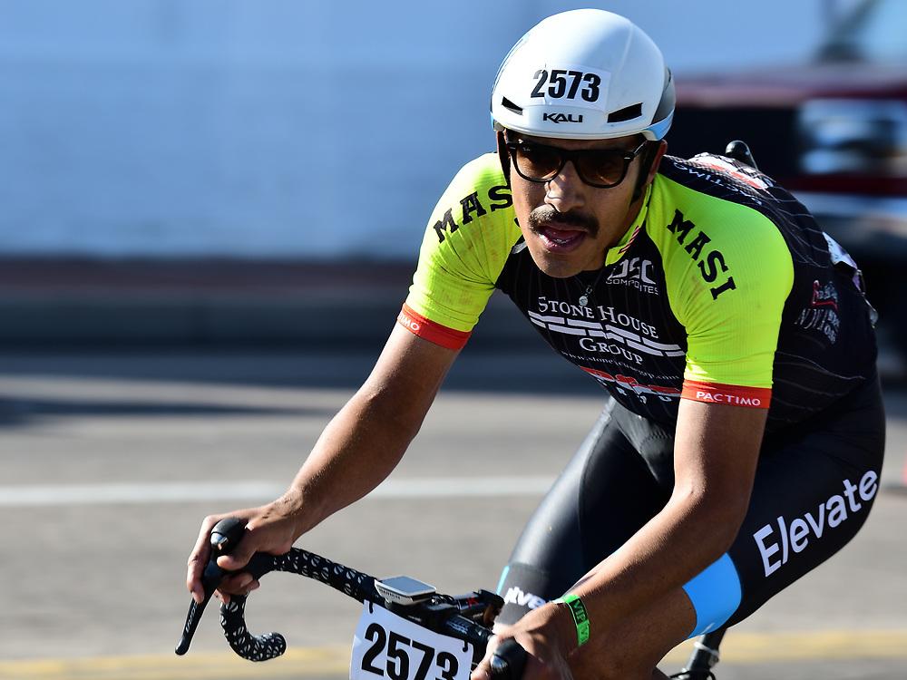 Ulises Alfredo Castillo Soto, winner of the 100-mile Tour de Tucson. Bike-tography by Martha Retallick.