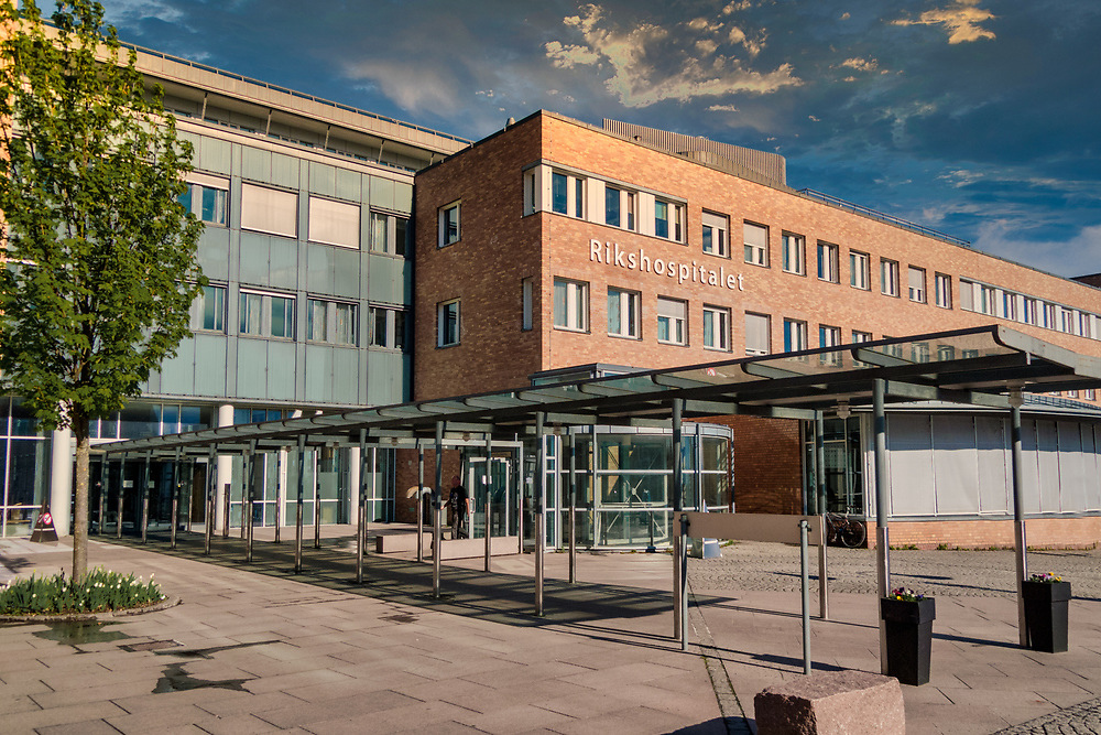 Rikshospitalet er et av de tre store behandlingsstedene ved Oslo universitetssykehus, og var tidligere et selvstendig sykehus. Sykehuset ble etablert i 1826 som Norges nasjonale hovedsykehus og undervisningssykehus.