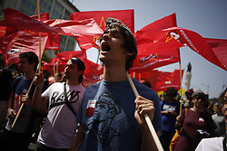 April 25, 2018 - Lisbon, Portugal - A youngster shout slogans during a parade in Avenida da Liberdade, center Lisbon on the 44th anniversary of the Portuguese Carnation Revolution, on 25 April 1974. (Credit Image: © Pedro Nunes via ZUMA Wire)
