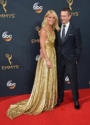 Claire Danes & Hugh Dancy bei der Verleihung der 68. Primetime Emmy Awards in Los Angeles / 180916<br /> <br /> *** 68th Primetime Emmy Awards in Los Angeles, California on September 18th, 2016***