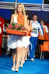 25.11.2010, Pieter van den Hoogenband Zwemstadion, Eindhoven, NED, Kurzbahn Schwimm EM, im Bild ..Hostess and medals. // Eindhoven 25/11/2010 .European Short Course Swimming Championships, EXPA/ InsideFoto/ Staccioli+++++ ATTENTION - FOR AUSTRIA/AUT, SLOVENIA/SLO, SERBIA/SRB an CROATIA/CRO CLIENT ONLY +++++