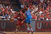 DESCRIZIONE :  Lega A 2014-15  EA7 Milano -Banco di Sardegna Sassari playoff Semifinale gara 7<br /> GIOCATORE : Hackett Daniel<br /> CATEGORIA : Low Palleggio Penetrazione<br /> SQUADRA : EA7 Milano<br /> EVENTO : PlayOff Semifinale gara 7<br /> GARA : EA7 Milano - Banco di Sardegna Sassari PlayOff Semifinale Gara 7<br /> DATA : 10/06/2015 <br /> SPORT : Pallacanestro <br /> AUTORE : Agenzia Ciamillo-Castoria/Richard Morgano<br /> Galleria : Lega Basket A 2014-2015 Fotonotizia : Milano Lega A 2014-15  EA7 Milano - Banco di Sardegna Sassari playoff Semifinale  gara 7<br /> Predefinita :