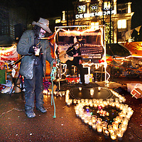 Nederland, Amsterdam , 24 december 2011..Kerstavond bij de Occupy beweging op het Beursplein...Foto:Jean-Pierre Jans