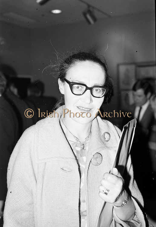 23/07/1967<br /> 07/23/1967<br /> 23 July 1967<br /> Press review of the Peacock (An Phéacóg) Theatre at the Abbey Theatre, Dublin. This was the official opening of the Peacock which was a small theatre in the Abbey basement. Image shows Eibhlín Ní Mhurchú, actress with the Abbey.